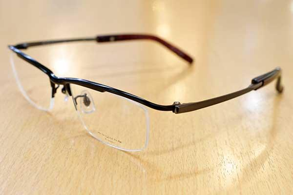 https://www.megane-eye.com/new/hold/km1754-2.JPG